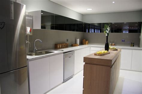Minimalist Kitchen Design Minimalist Kitchen Design Ideas With Silver Style