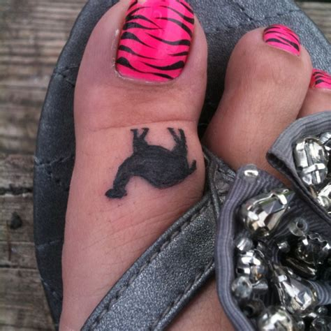 toe tattoos designs camel toe tattoos designs ideas and meaning tattoos for you