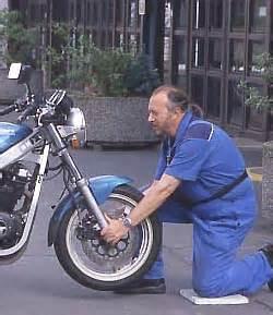 Motorrad Kettenspannung Zu Locker by Motorrad Tipps Quot Fahrwerk Abstimmen Quot Winni Scheibe