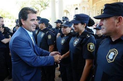 bono y aumento para la policia de santa fe ao 2016 aumento de salario para la polic 237 a bonaerense mientras