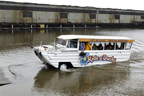 duck boat tour lawsuit ride the ducks philadelphia closes indefinitely phillyvoice