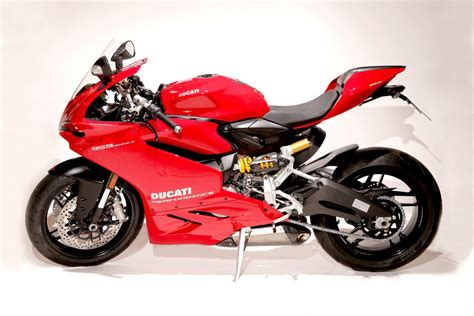 racing ducati ducati performance 959 panigale special edition drive