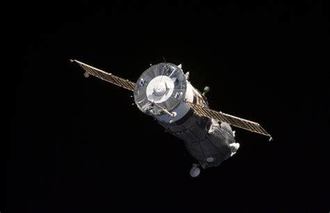 space craft soyuz ms spacecraft satellites
