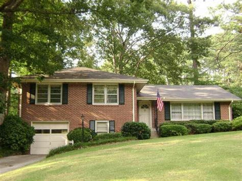 split level ranch house homes in clairmont heights decatur house history home lakes and bricks