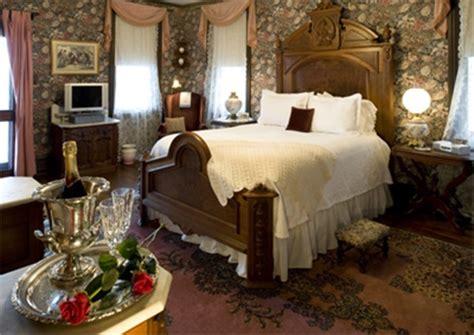 victorian bedroom tips  furnishing victorian bedroom