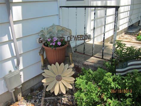 Primitive Outdoor Decor by Primitive Outdoor Garden Rustic Decorating And