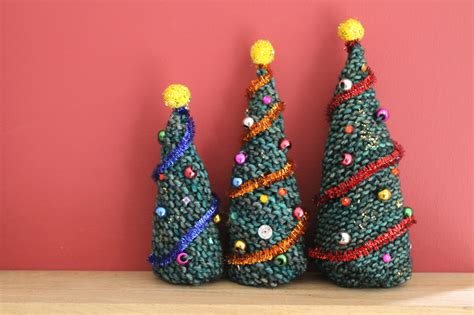 knitting pattern for christmas tree lights 20 adorable diy mini christmas trees that don t take up a