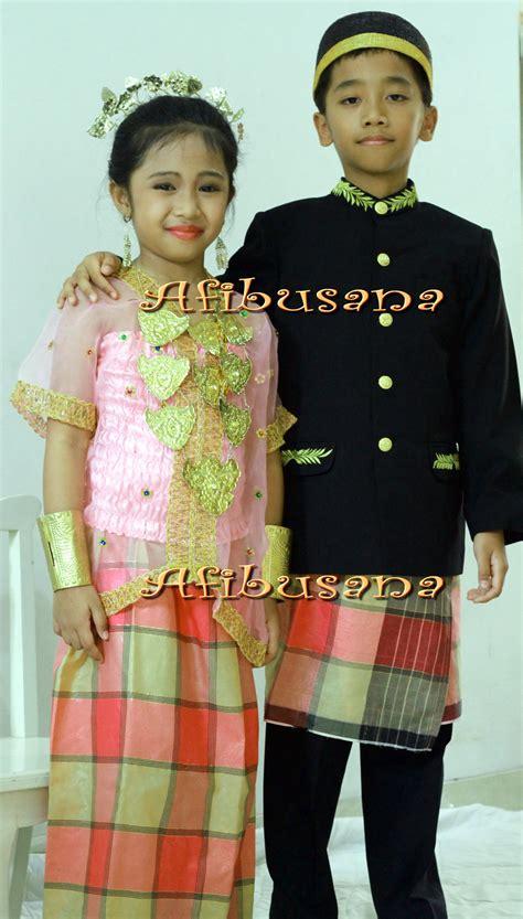 Cara Memakai Baju Bodo Sulawesi Selatan gambar daftar gambar pakaian adat daerah provinsi indonesia baju di rebanas rebanas