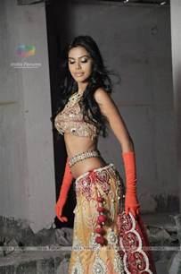 Wedding Dresses 2011 Collection Natasha Suri Rohit Verma S Bridal Glamorous Collection 2011 Quot Shehnai Ki Raat Quot With Natasha