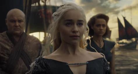 actress game of thrones season 6 game of thrones actress emilia clarke looks mena