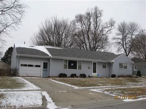 houses for sale in ames iowa 2207 jensen ave ames iowa 50010 bank foreclosure info foreclosure homes free