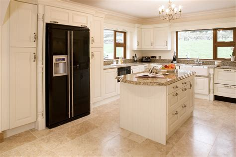 pictures of kitchens with cream cabinets kitchen cabinets cream color quicua com