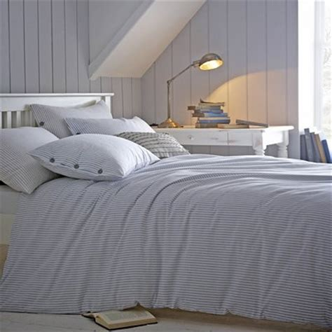blue and white striped bed linen 6 steps to take before buying bed linen bedlinen123