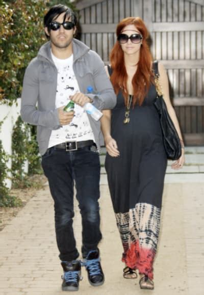 Pete Wentz Gets In Another Fight by Pete Wentz Ashlee Custody Fight Heats Up The