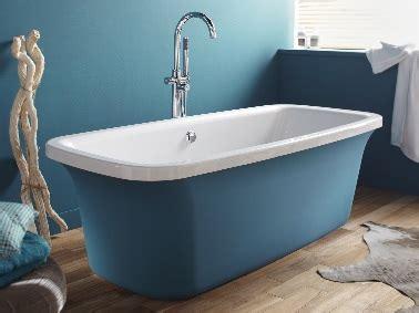 baignoire rectangulaire ilot en acrylique bleue