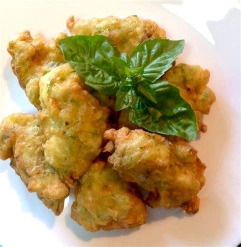 frittelle fiori di zucchine frittelle di zucchine e fiori di zucca la cucina di napoli