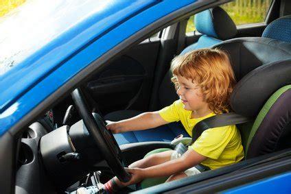 Kinder Im Auto Transportieren by Kinder Im Auto Sicher Transportieren Das Kindersitz Abc