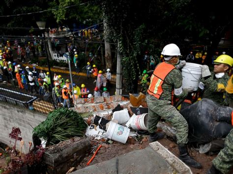 earthquake mexico 3rd earthquake in a month shakes mexico as rescuers search