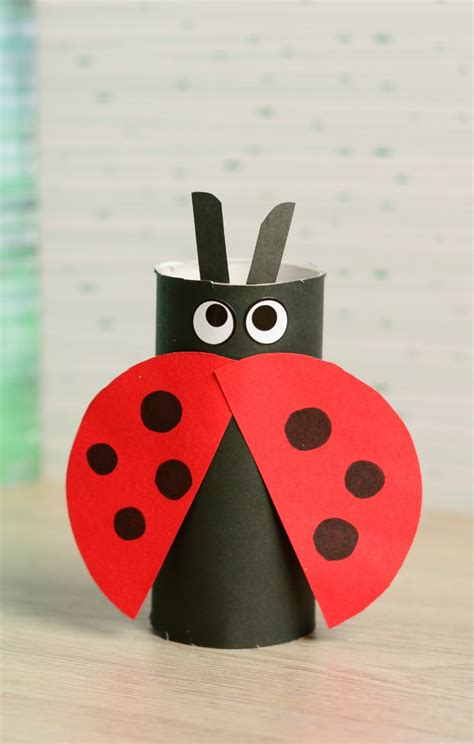 arts and crafts made out of paper toilet paper roll ladybug craft easy peasy and