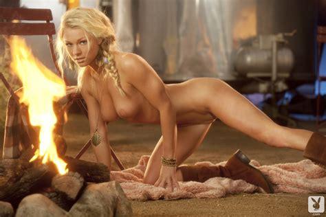 Nikki Leigh Playmate Playboy Redbust
