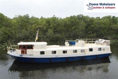 varende woonboot kopen woonschip woonschip brick7 boten