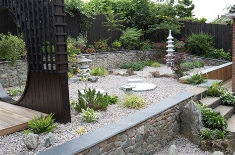 realizzare un piccolo giardino realizzare un piccolo giardino giapponese decorazioni