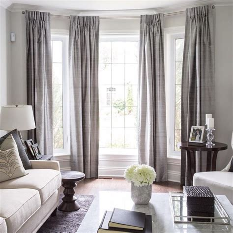 how to put curtains on bay windows 25 best ideas about bay window treatments on pinterest