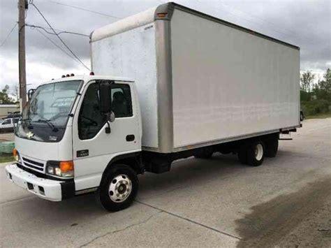 isuzu box truck isuzu w3500 w 20ft supreme box 2003 box trucks