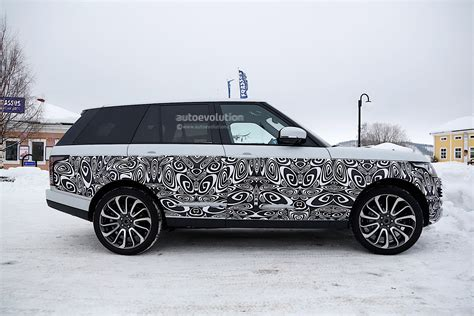 range rover small 2017 range rover facelift spied with small changes