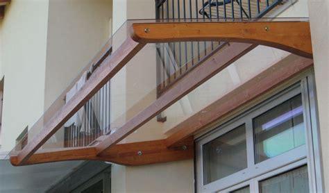 piccole tettoie in legno tettoie pensili in legno venezia treviso l arredo