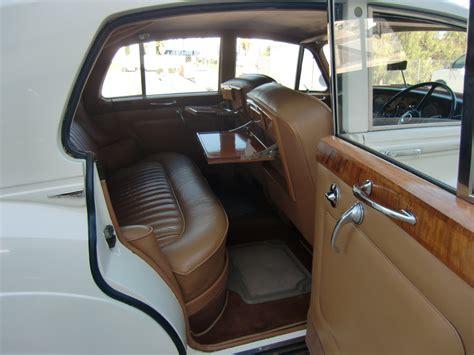 Rolls Royce Silver Cloud Interior rolls royce silver cloud iii wedding car hire