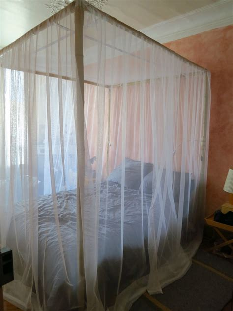 comment installer une moustiquaire de lit comment coudre moustiquaire