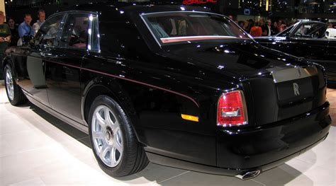 rolls royce phantom rear file rolls royce phantom 2003 rear jpg wikimedia commons