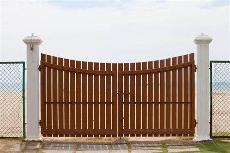 Door Gates by Custom Ranch Gates