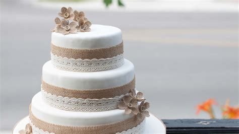 Cakes by Design, Barrie, ON, wedding cakes, birthday cakes, celebration cakes