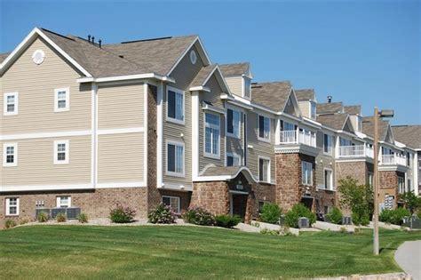 bellevue house apartments colonial pointe at fairview apartment homes rentals bellevue ne apartments com