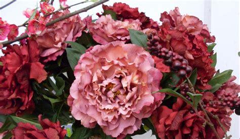 fiori finti colora la tua casa con le composizioni di fiori finti