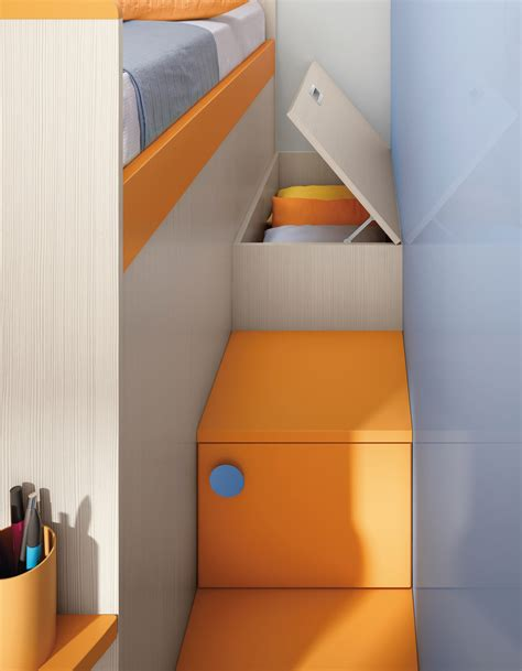 scalette per letti a cameretta a soppalco con un letto colorata camerette a