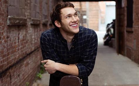 phillip phillips headlines july 3 independence day