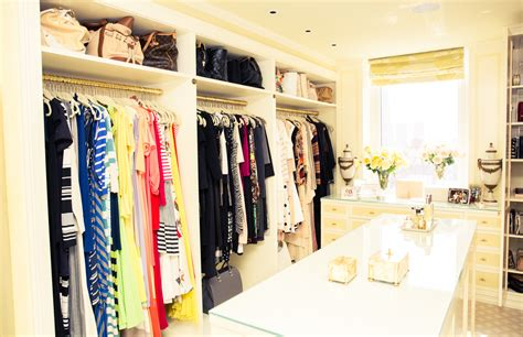 King Of The Closet by Gayle King Opens Fabulous Color Coded Closet Jawbreaker