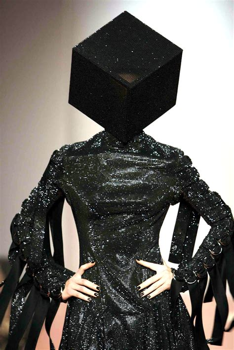 gareth pug gareth pugh fashion topics the list