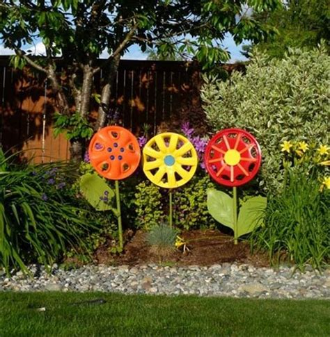 12 days of christmas metal yard art 27 awesome things you can do with recycled junk