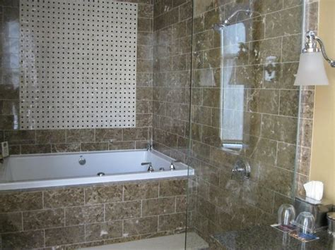 Hotels With Tubs In Room In Md by Bathroom With Spa Like Shower And Tub