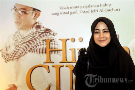 film hijrah cinta online pipik dian irawati nonton film hijrah cinta foto 3