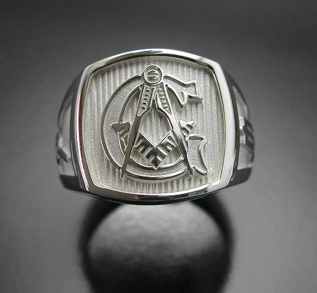 masonic ring in sterling silver with polished finish