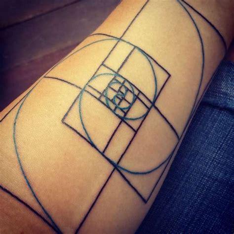 fibonacci sequence tattoo best 25 fibonacci ideas on fibonacci