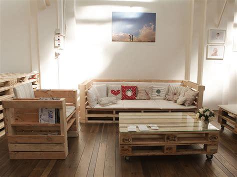 arredo casa design arredare con il pallet il bancale si trasforma in divano
