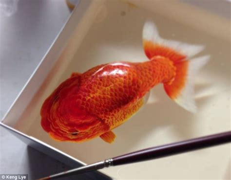 acrylic painting with resin artist creates stunning 3d paintings of fish using layers