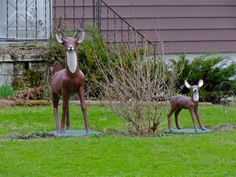 fake deer what not to put in your front yard