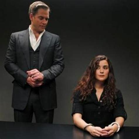 Tony Getting Used To Married by Ncis Look Married Tony Handcuffed Ziva Tv Fanatic